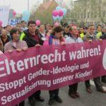 德國斯圖加特(Stuttgart)於6/28發起護家遊行的盛況
