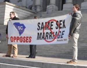南卡羅萊納州各地民眾集聚議會前反對同性婚姻
