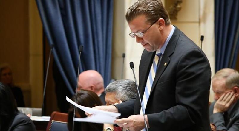 猶他州參議員韋勒2月11日提出色情是公共健康危險的決議案。