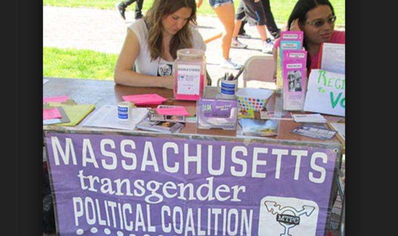 同運企圖說服兒童視跨性別、變性為正常的事。麻州尤其是這類事情的先驅,護家陣營出面呼籲「饒了孩子吧!」(照片來源:www.massresistance.org)